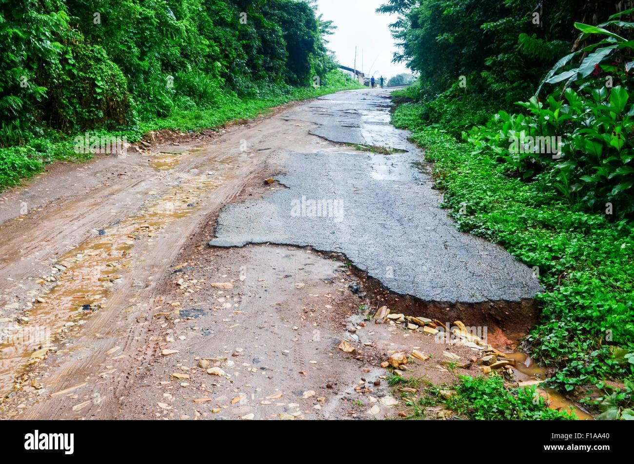 Schlechten Straßeninfrastruktur in Togo Stockbild