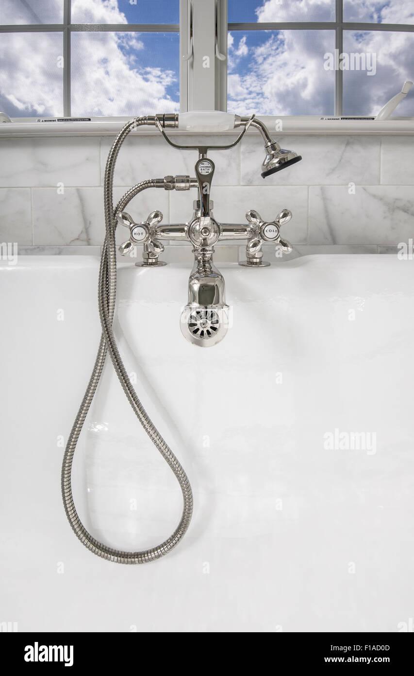 Badewanne Wasserhahn Detail Stockbild