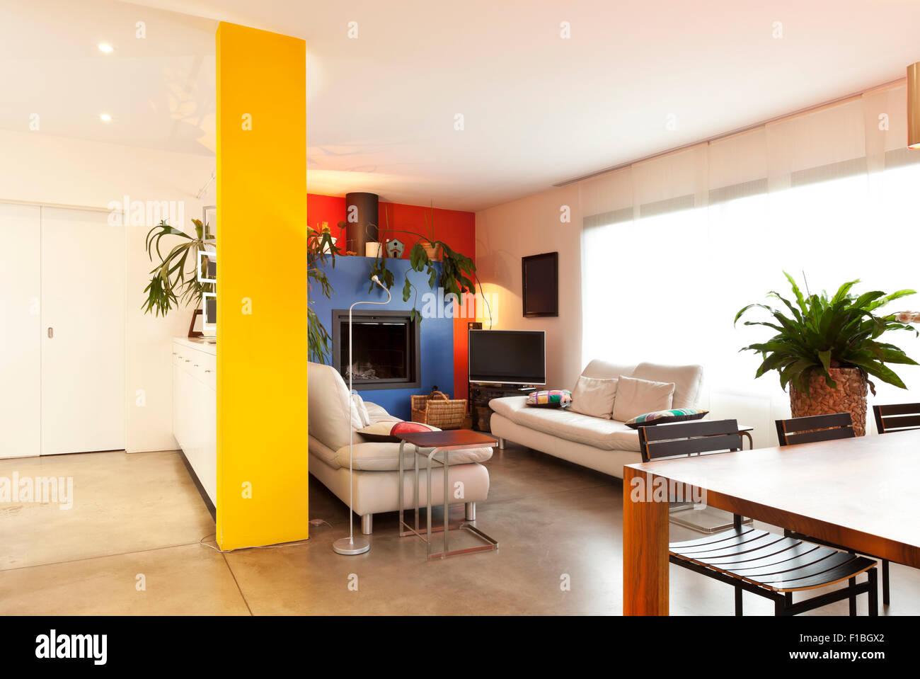komfortable, moderne Wohnung, Halle Aussicht, Wohnzimmer Hintergrund ...