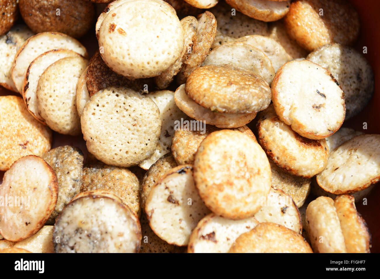 Mofo Gasy ist eine traditionelle madagassische herzhaften Reiskuchen. Stockbild