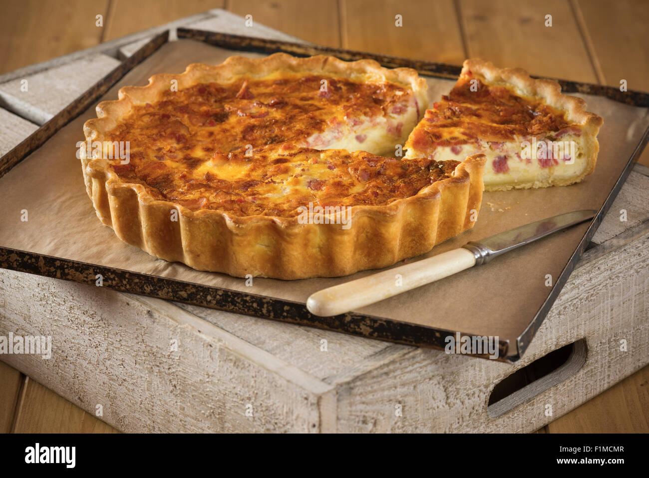 quiche lorraine stockfotos quiche lorraine bilder alamy. Black Bedroom Furniture Sets. Home Design Ideas