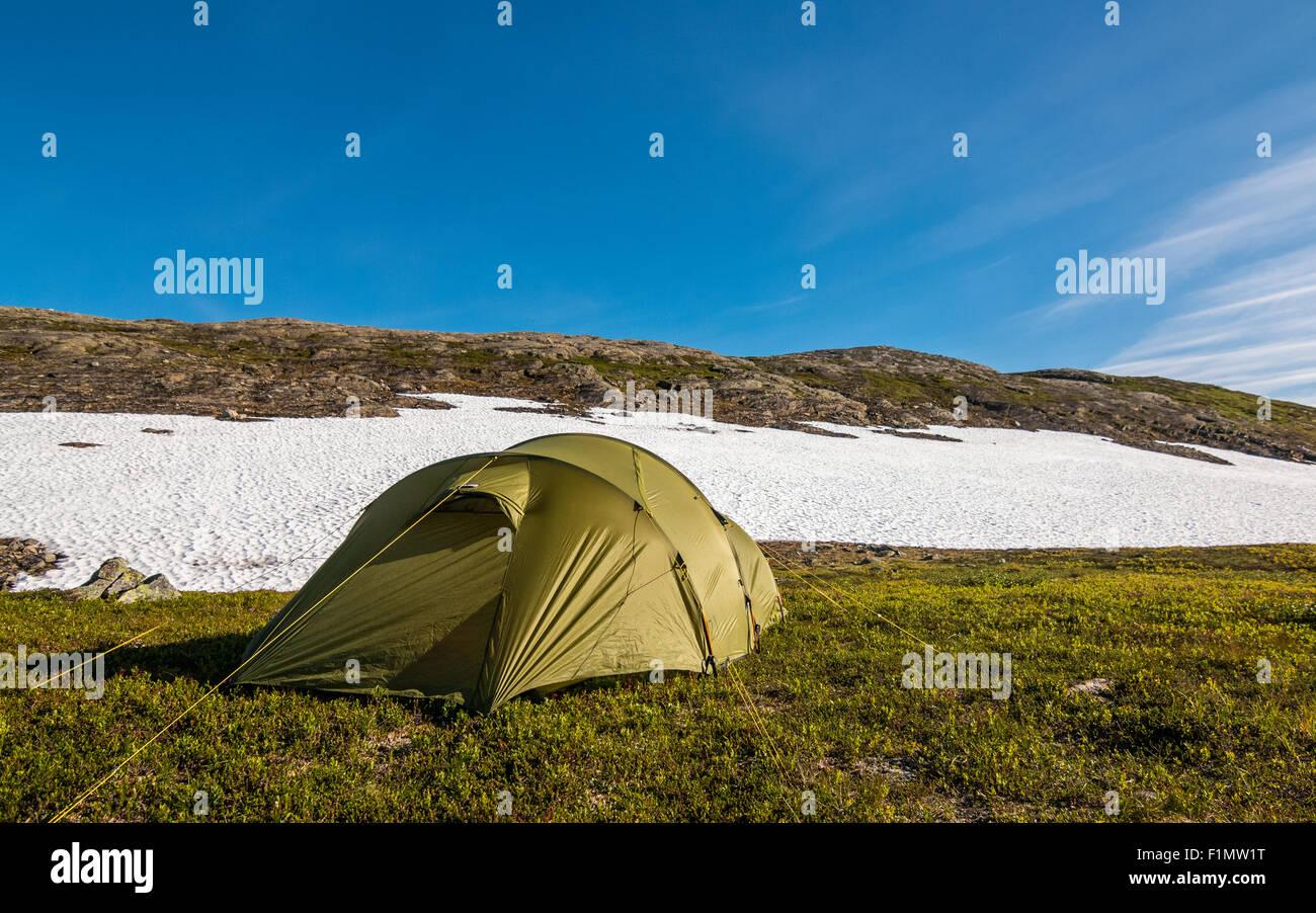 Zelt in der Wildnis von Norwegen. Stockbild