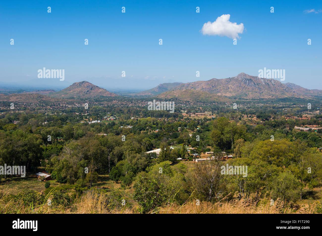 Blick über Zomba vom Zomba Plateau, Malawi, Afrika Stockbild
