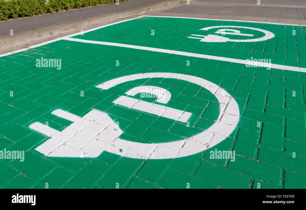 Electric Car Charging Station Symbol Stockfotos & Electric Car ...