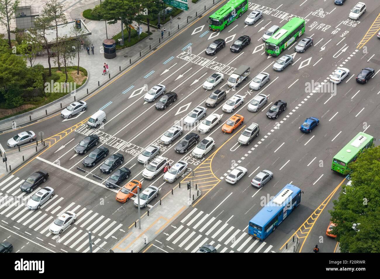 Südkorea, Seoul, Gangnam, Fußgängerüberwegen, Cheonggyecheon-Ro und Ro-Yulgok überqueren Stockbild