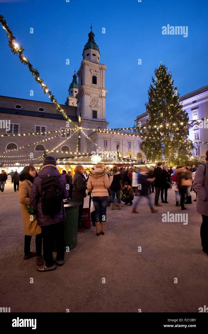 Österreich, Salzburg, Weihnachten, Domplatz Stockbild