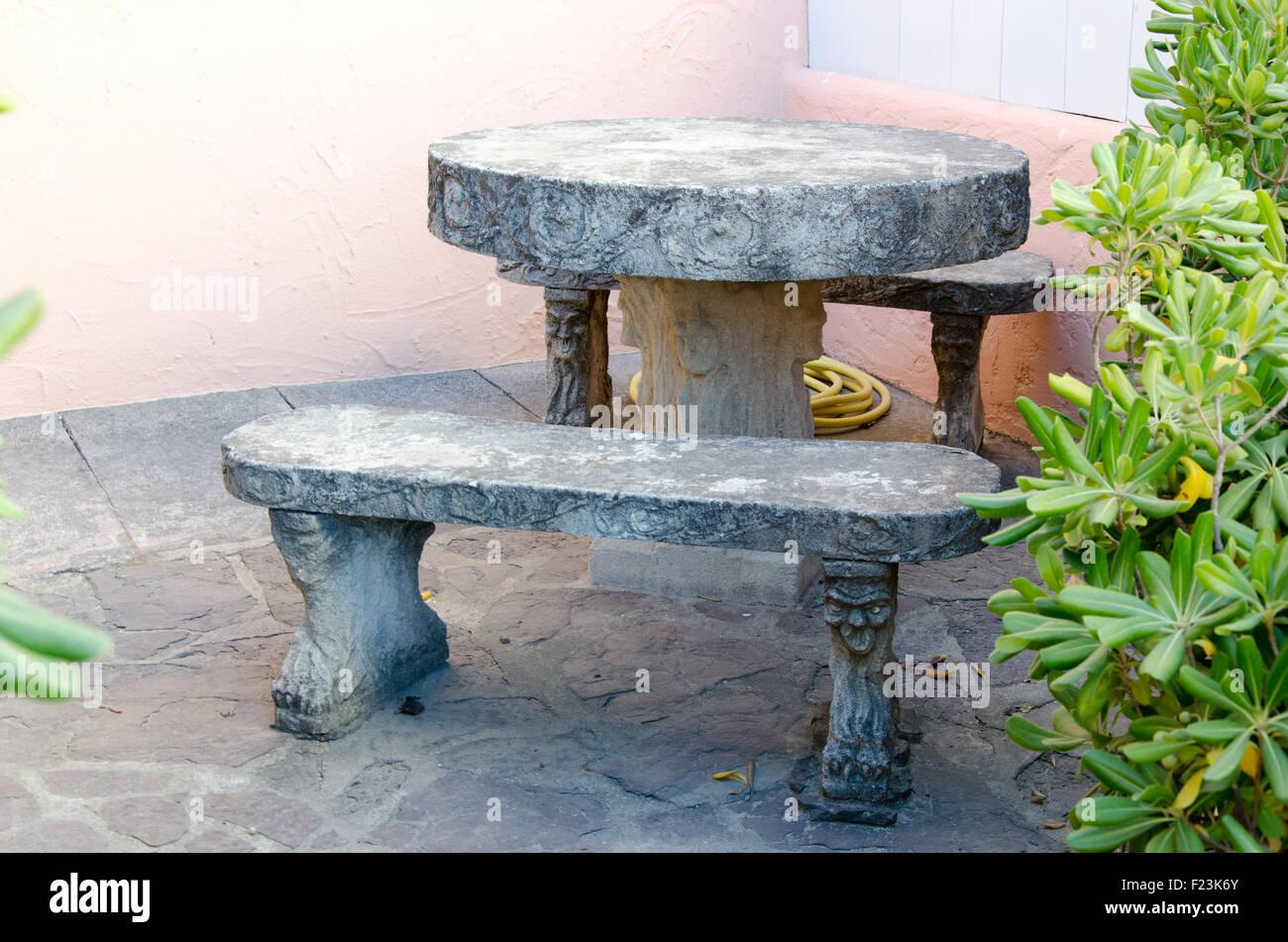 Gartentisch Aus Marmor Stockfoto Bild 87362099 Alamy