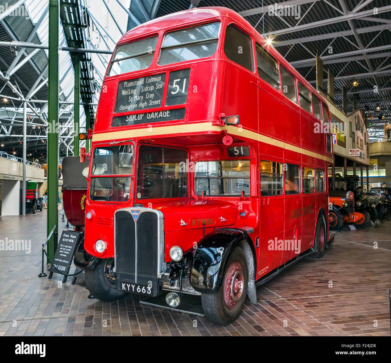 RT 1808 1950 AEC Regent MkIII RT Double Decker Routemaster Bus an das National Motor Museum in Beaulieu, Hampshire, Stockbild