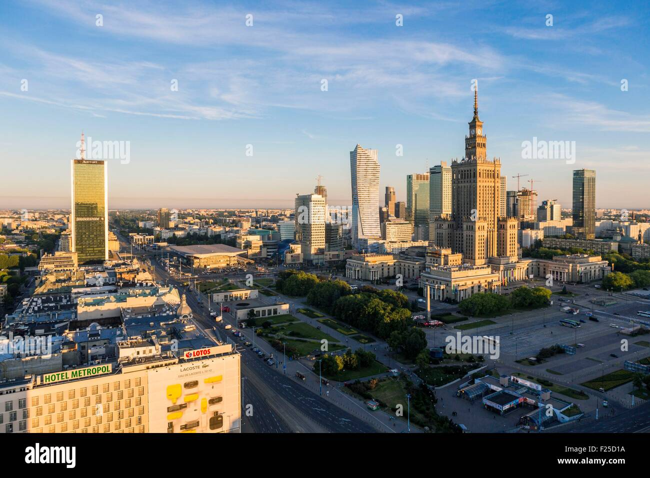Polen, Region Masowien, Warschau Finanzplatz und Palast der Kultur und Wissenschaften Stockbild