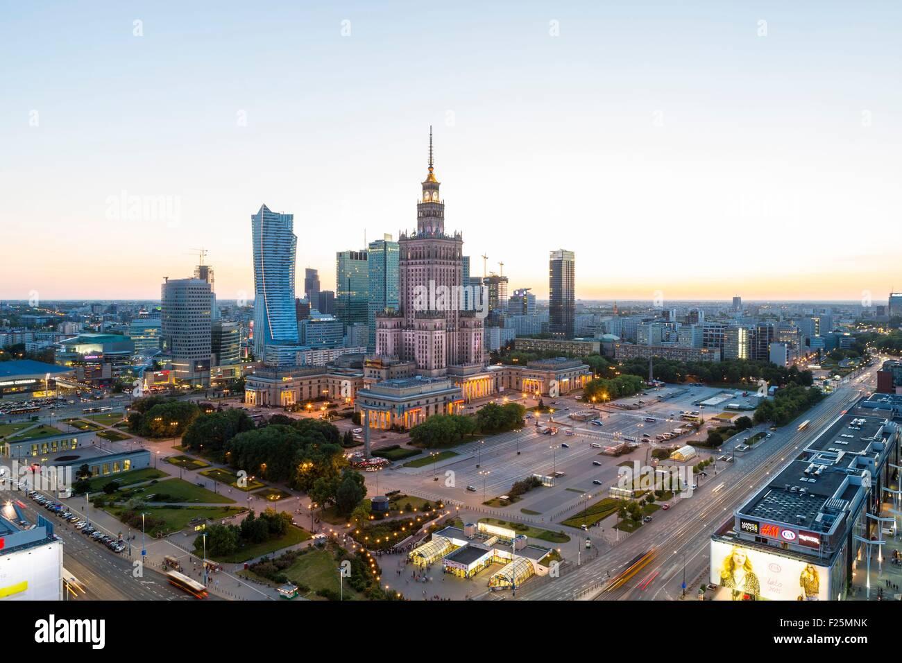 Polen, Region Masowien, Warschau Finanzplatz und Palast der Kultur und Wissenschaft Stockbild