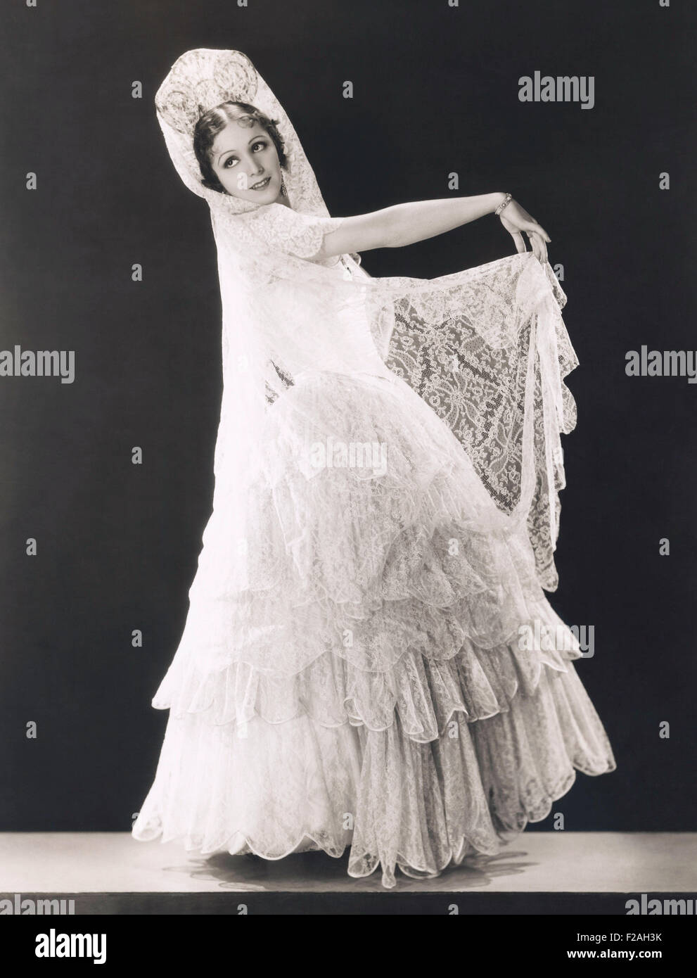 Veil Woman Lace Stockfotos & Veil Woman Lace Bilder - Alamy