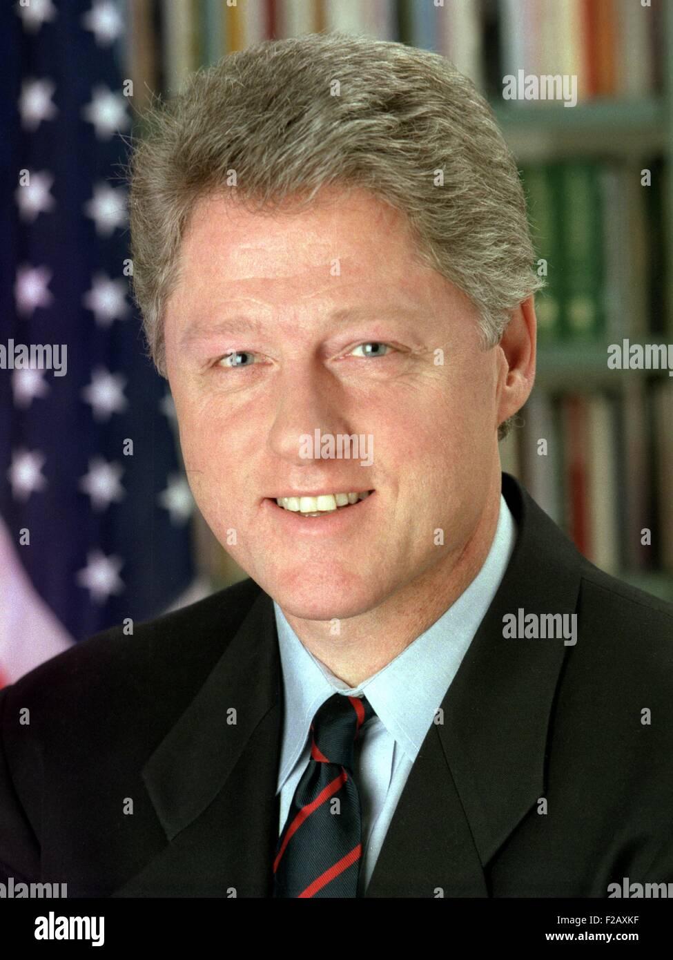 Präsident Bill Clinton, Januar 1993. Offizielle weiße Haus Portrait von Bob McNeely. (BSLOC_2015_2_186) Stockbild