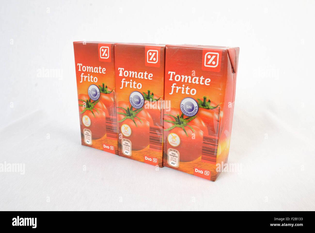 Gebratene Tomaten von der Supermarkt Día´s Eigenmarke--tomate Frito De La Marca Blanca del Supermercado Stockbild
