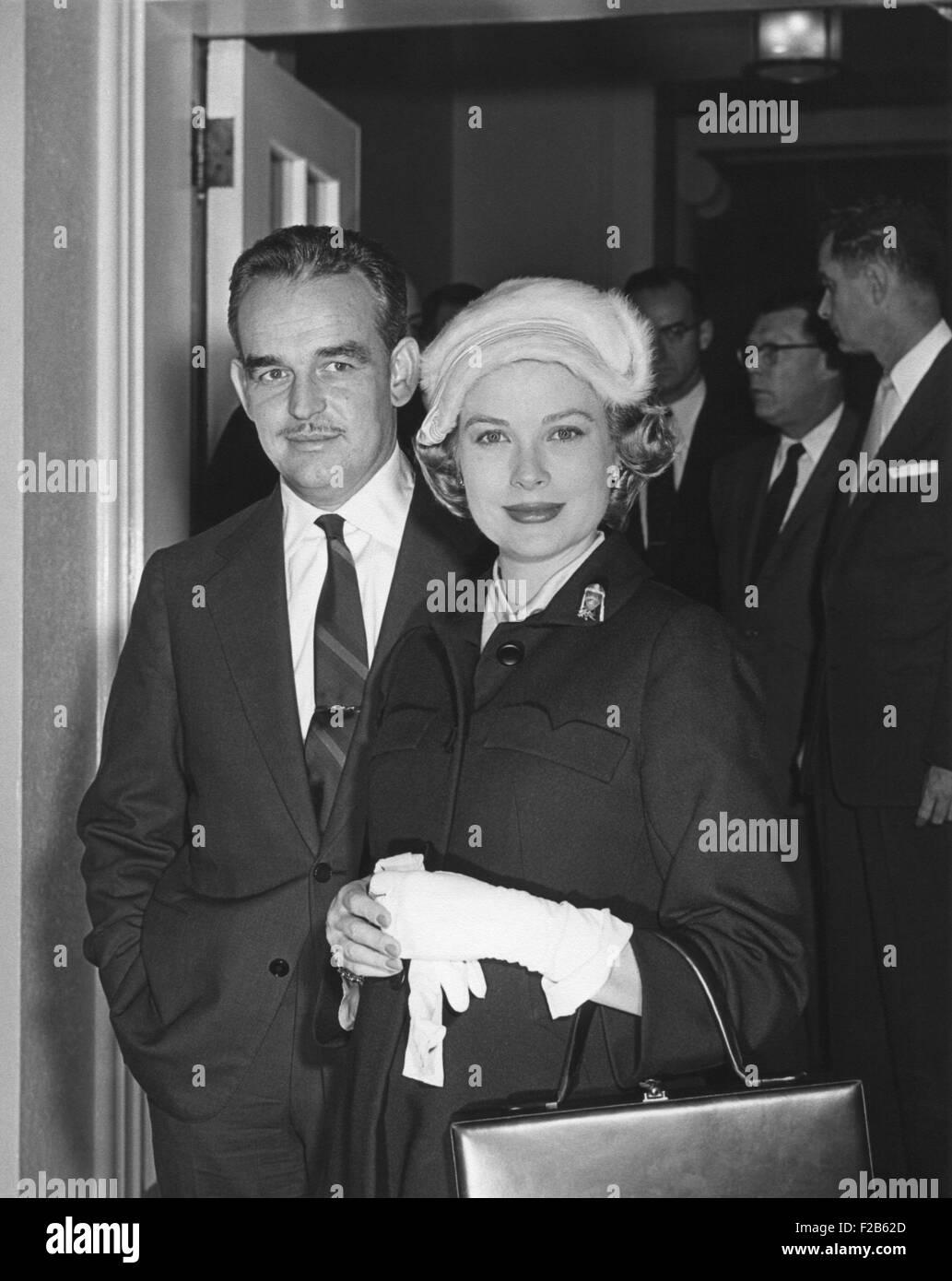 Rainer Prinz und Prinzessin Grace im Weißen Haus während ihres Besuches an Präsident Eisenhower. Stockbild