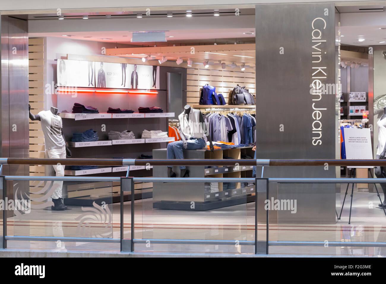 Calvin Klein Jeans Shop Stockbild