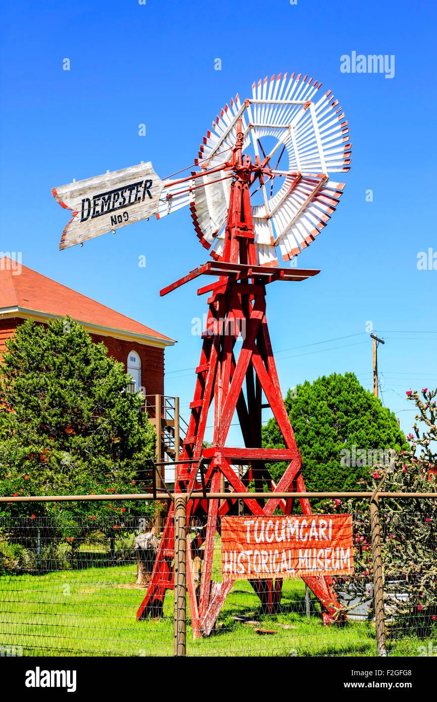 Tucumcari NM historisches Museum Wind angetriebene Wasserpumpe Stockbild