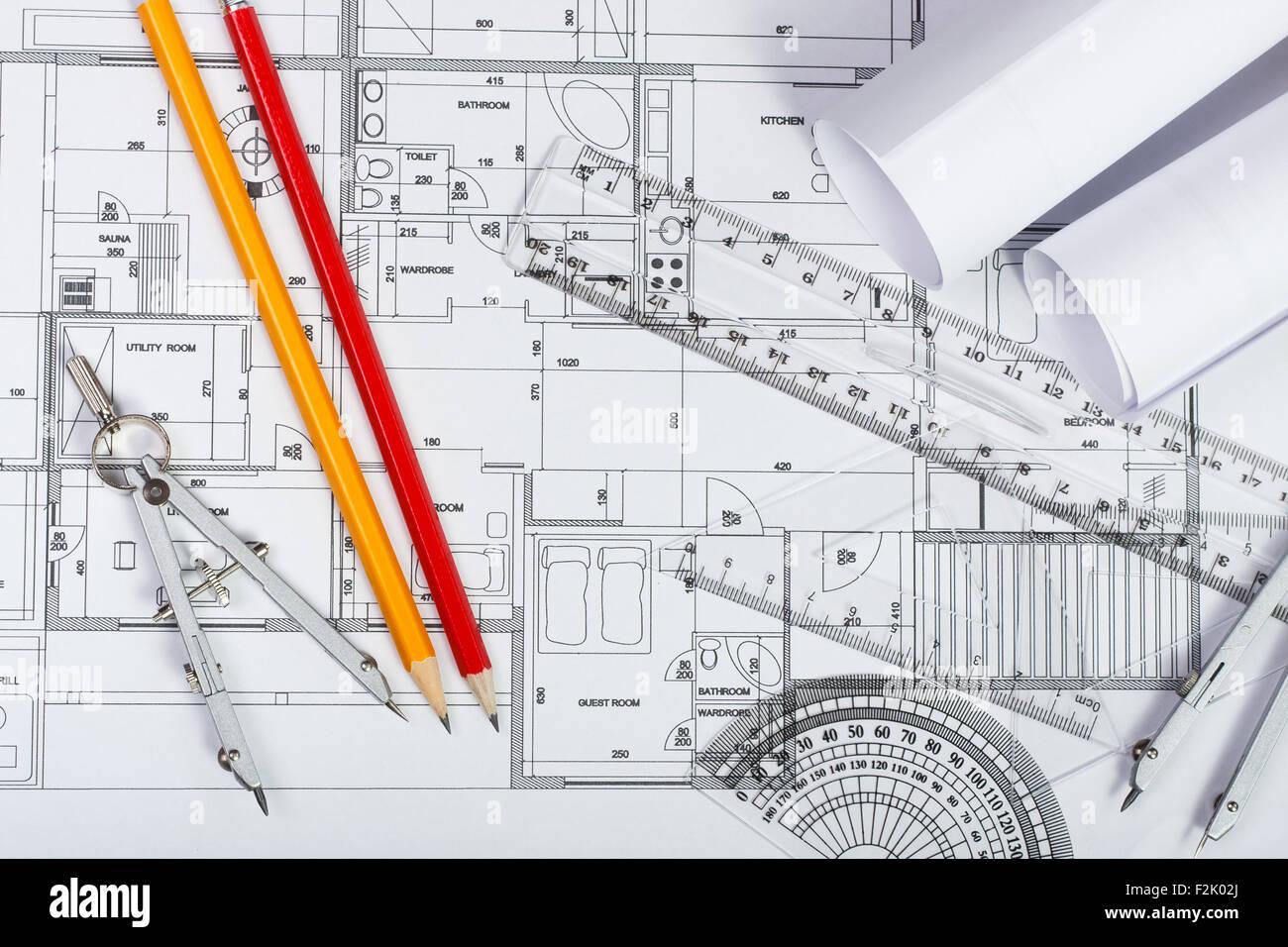 Baupläne, Bleistift und Lineal Stockfoto, Bild: 87698314 - Alamy