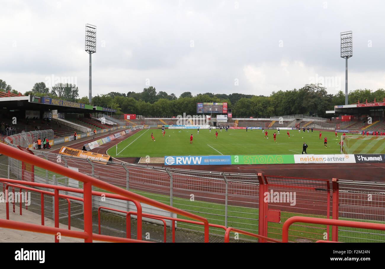 oberhausen deutschland 19 september 2015 regionalliga west stadion niederrhein rot wei. Black Bedroom Furniture Sets. Home Design Ideas