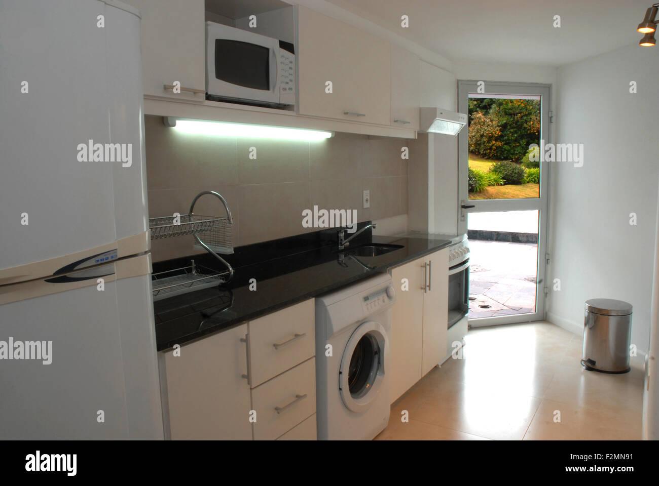 Modern Outdoor Kitchen Design Stockfotos & Modern Outdoor Kitchen ...