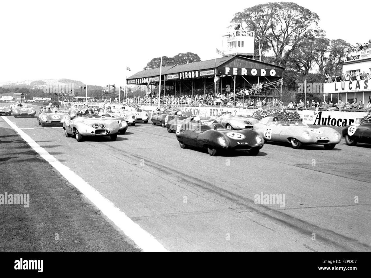 Start des Rennens am Goodwood 1957 Stockbild