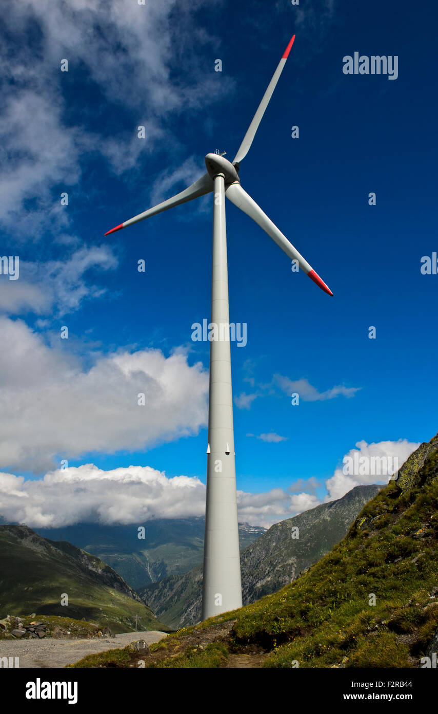 Die höchstgelegene macht Windkraftanlage in Europa am Griessee, Nufenen Region, Obergoms, Wallis, Schweiz Stockbild