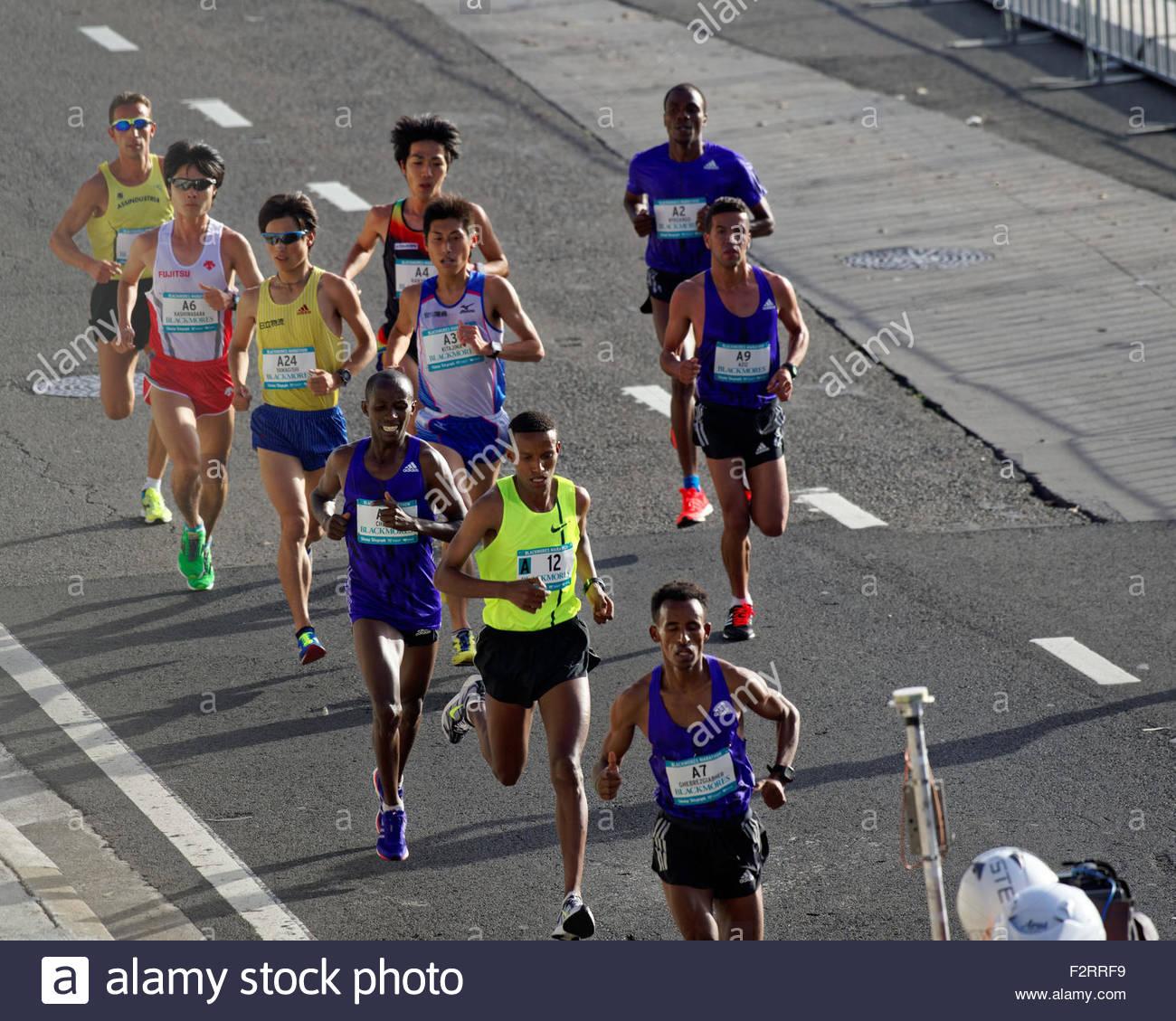 Elite Marathon Runners Stockfotos & Elite Marathon Runners Bilder ...