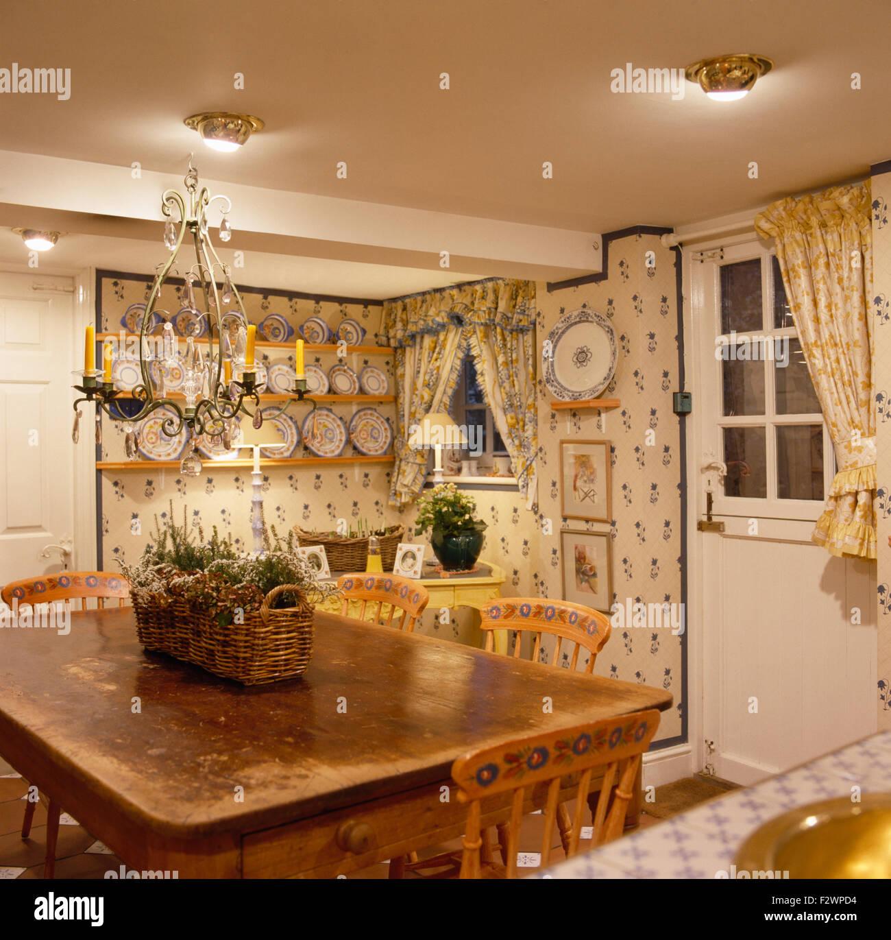 Neunziger Jahre Küche Esszimmer vor der Renovierung Stockbild