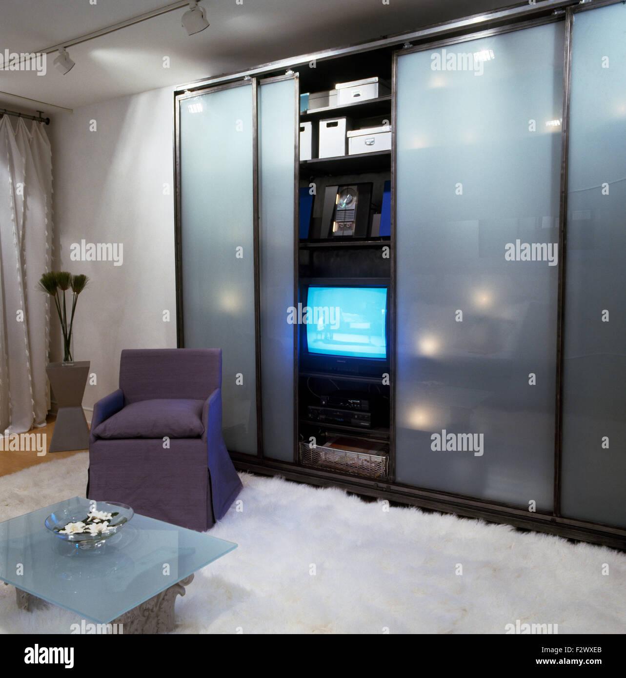 Verschiedene Fernseher Für Schlafzimmer Foto Von Milchglas Schiebetüren Schrank Mit Im Stadt Mit