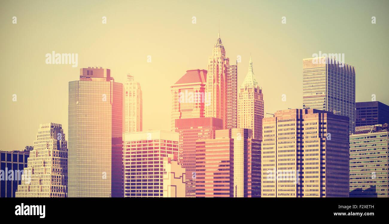 Vintage getönten Panorama-Bild von Manhattan bei Sonnenuntergang, New York, USA. Stockbild