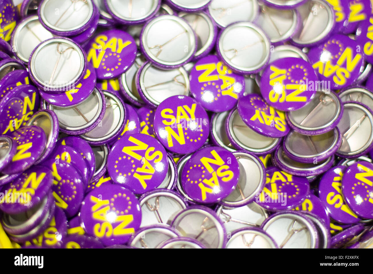 Doncaster, South Yorkshire, UK. 25. September 2015. Sagen keine Abzeichen an der ukip nationale Konferenz in Doncaster Stockbild