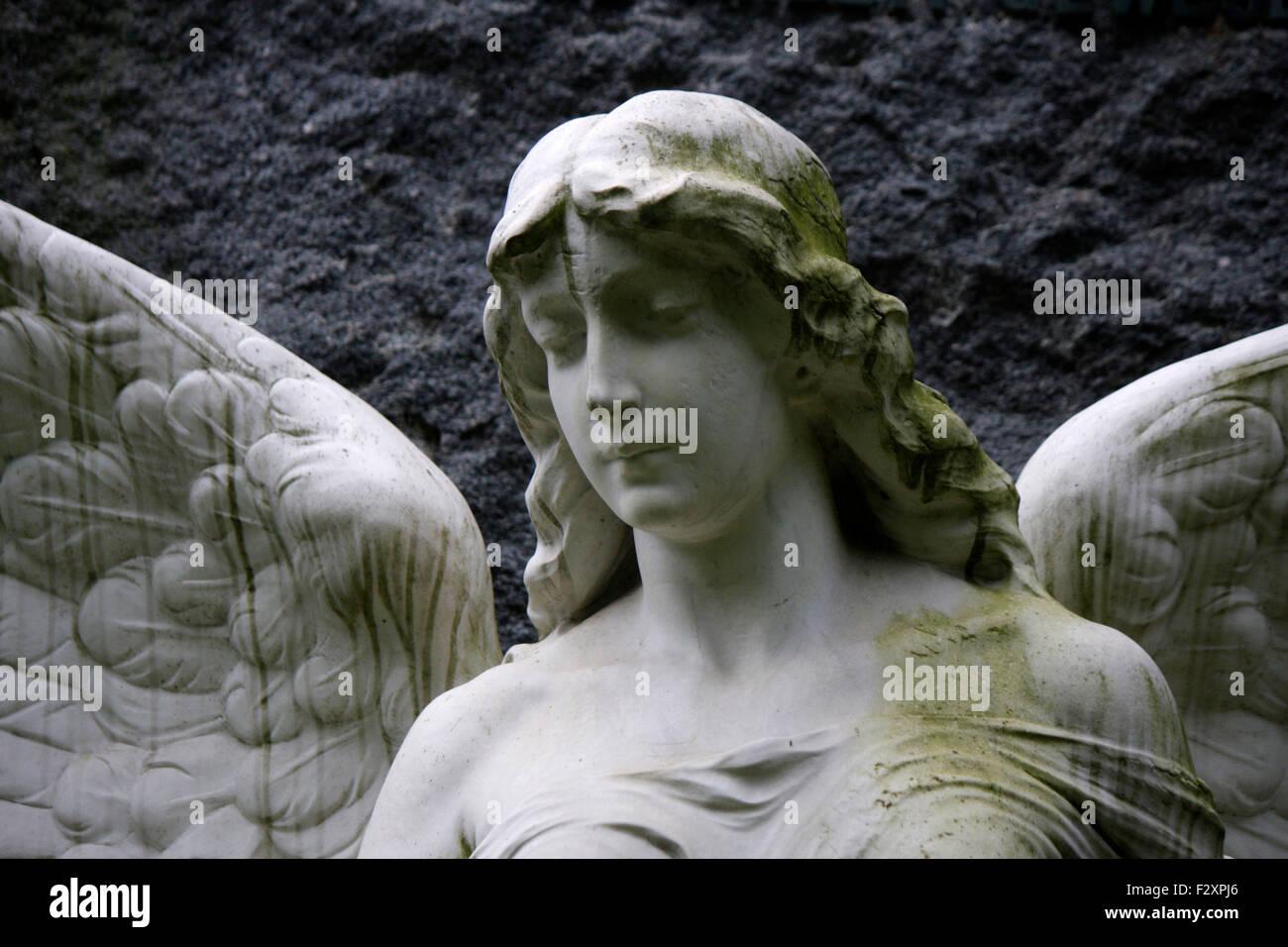 Engel-Plastik - Invalidenfriedhof, Berlin-Mitte. Stockbild