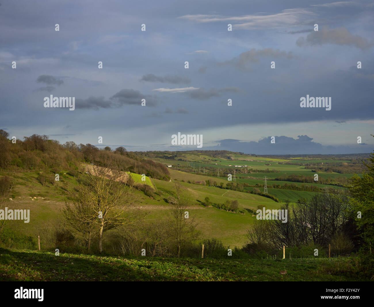 North Downs in Kent, von Thurnham Schloß gesehen. Landschaft mit Kreide und sanft gerundeten Hügeln. Stockbild