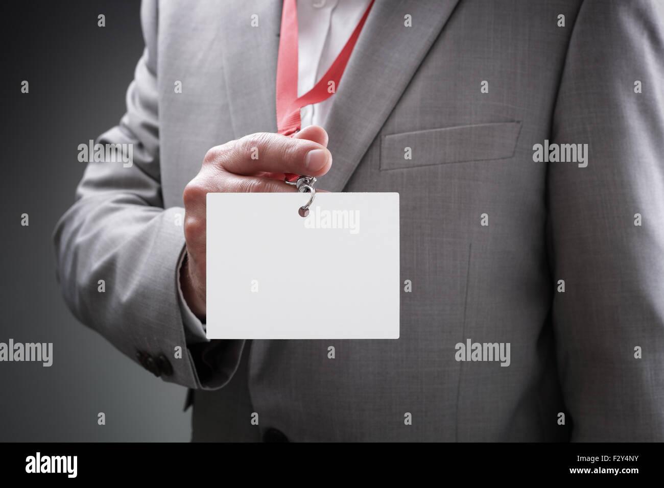Geschäftsmann Betrieb leer Ausweis Stockfoto