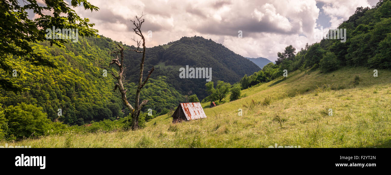 Maschinenbordbuch-Kabinen - Cindrel Gebirge, Burului Hill, Ortsteil ...