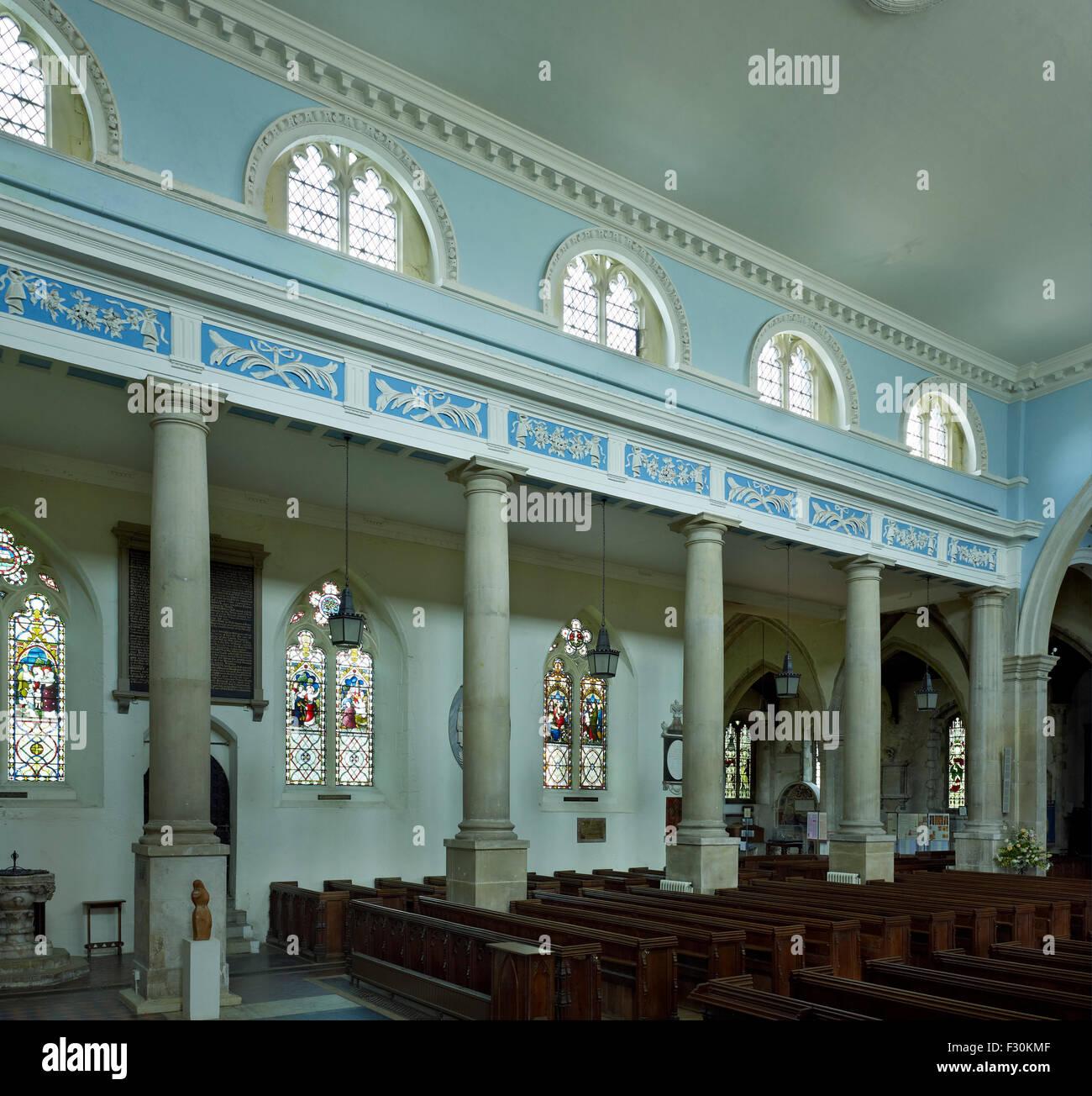 Faversham, Kirche der Hl. Maria von Nächstenliebe, Kent. Dreischiffige Kircheninnere Stockbild