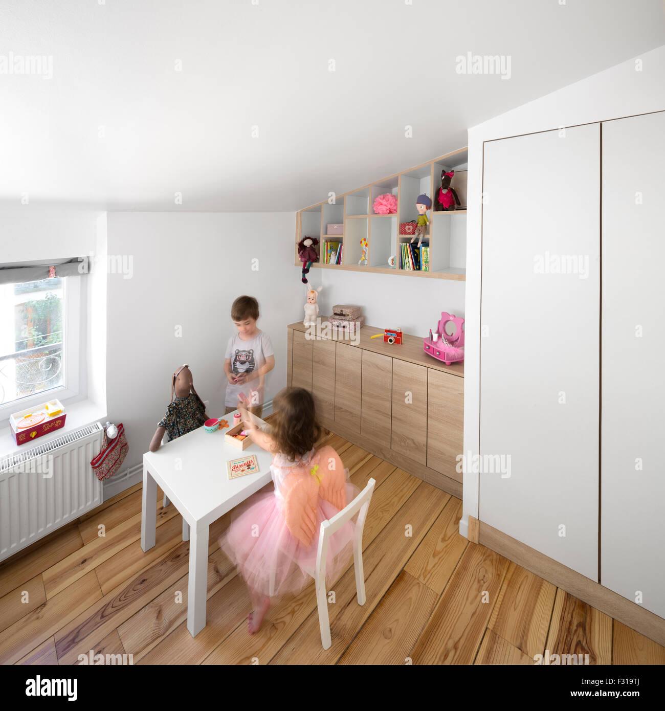 Ein kleiner Raum Kinderzimmer (Frankreich). Petite Chambre d ...