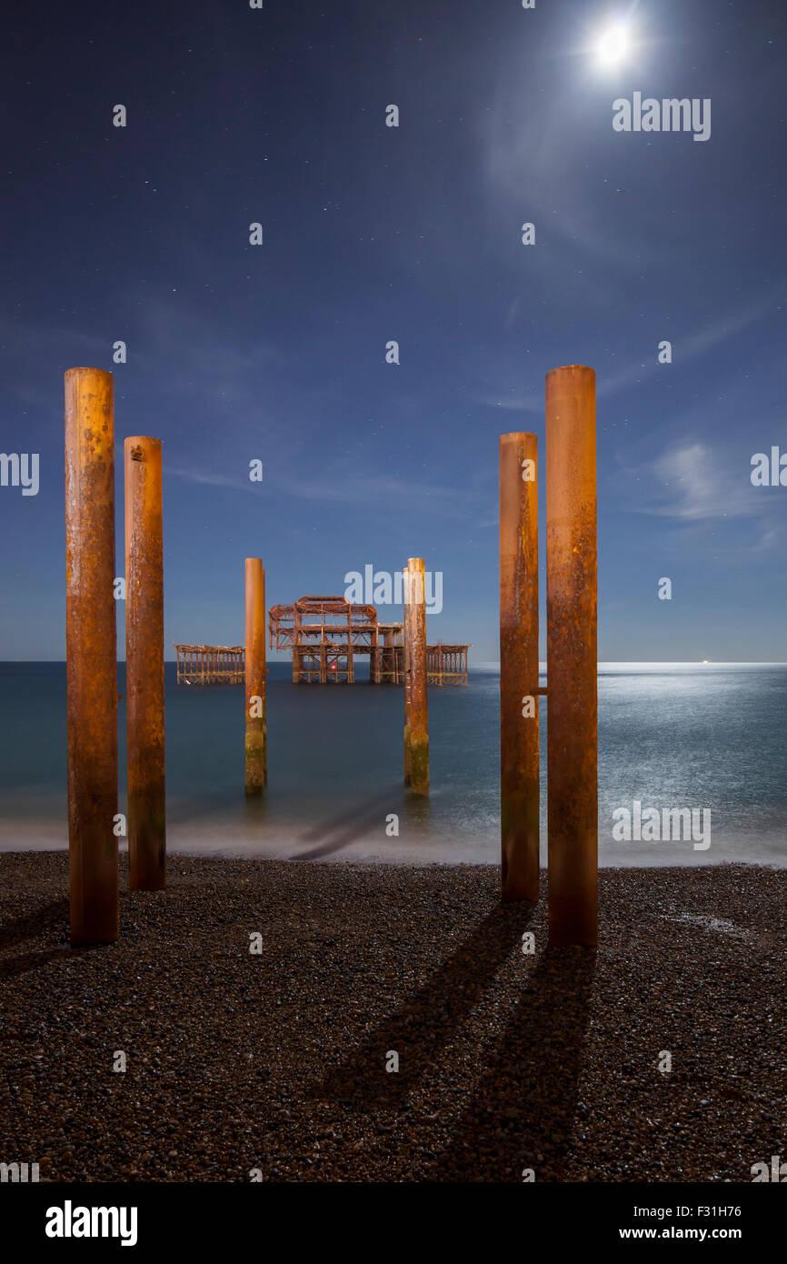 Mondfinsternis Nacht 28. September 2015 in West Pier in Brighton, UK. Stockbild