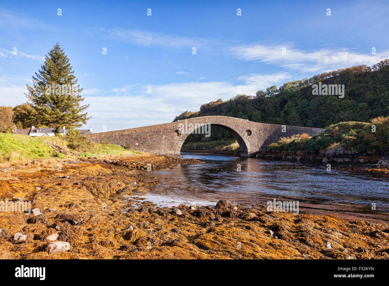 Die hebt Brücke, bekannt als die Brücke über the Atlantic, die das schottische Festland mit der Insel Stockbild