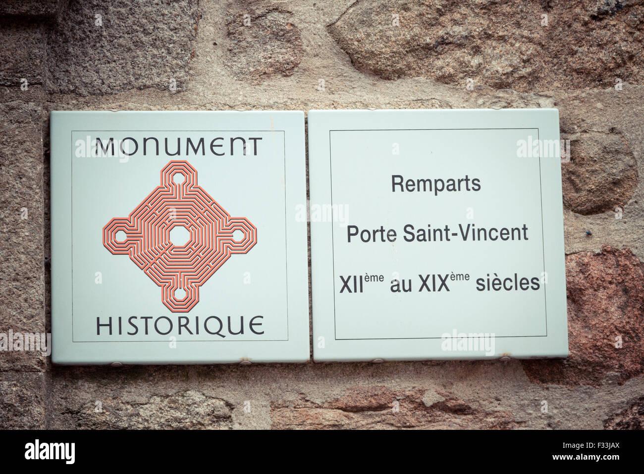 Historisches Denkmal Zeichen, Saint Malo, Bretagne, Frankreich. Stockbild