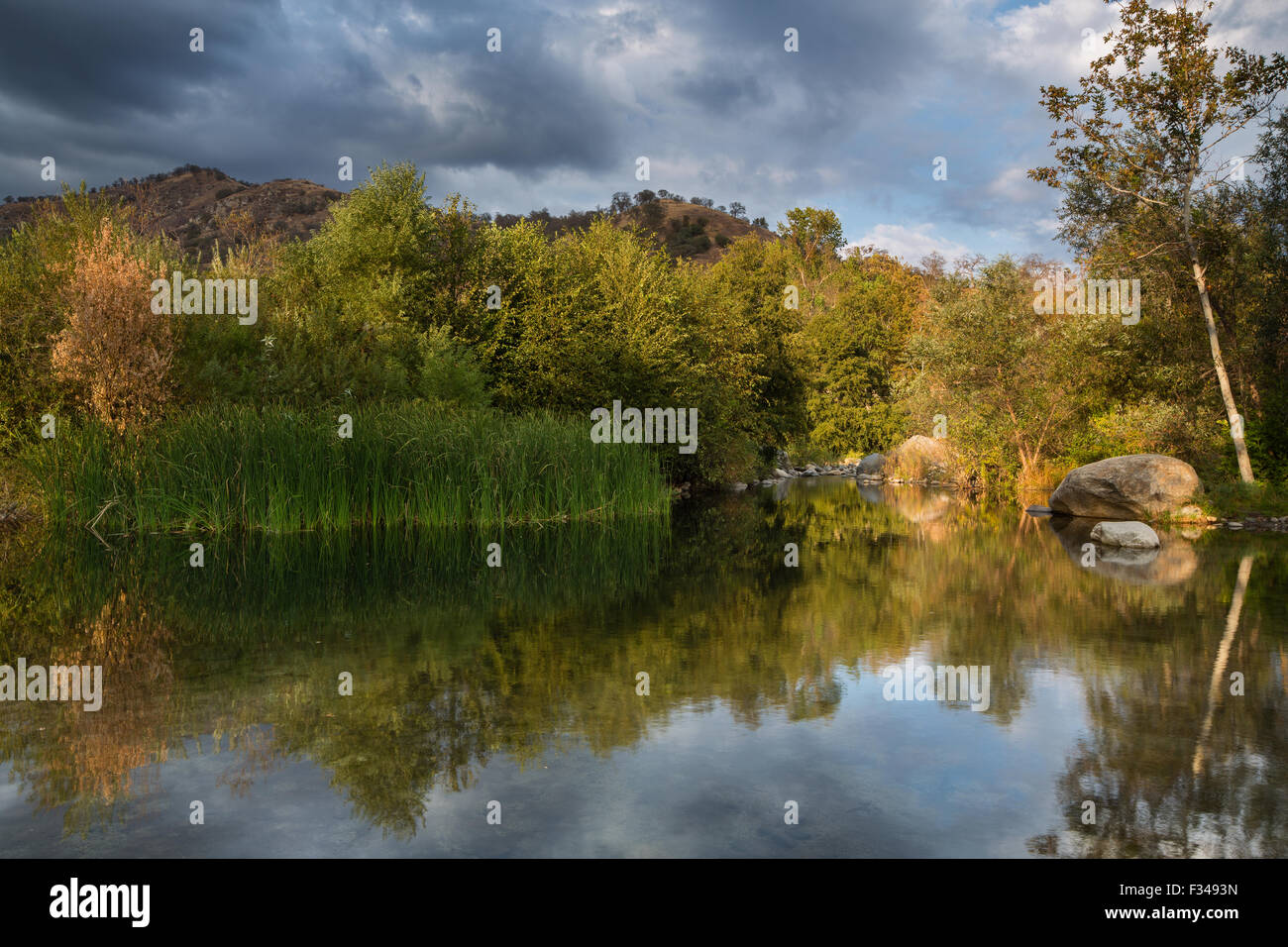 der Kaweah River, Three Rivers, Sierra Nevada, Kalifornien, USA Stockbild