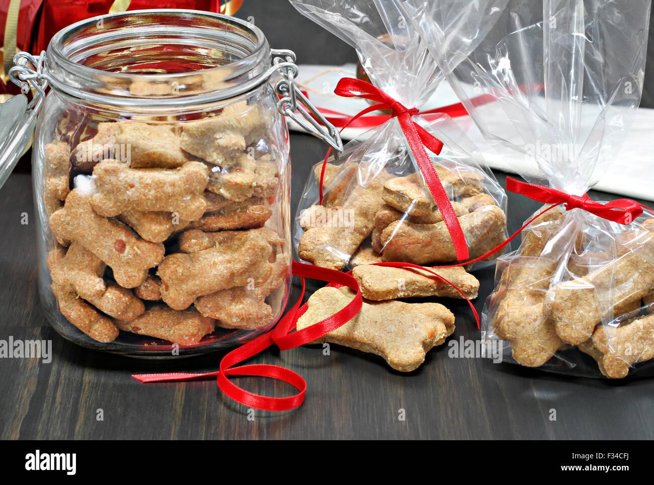 Hausgemachte Hund Knochen in Zellophan Beutel als gesunde Geschenke ...