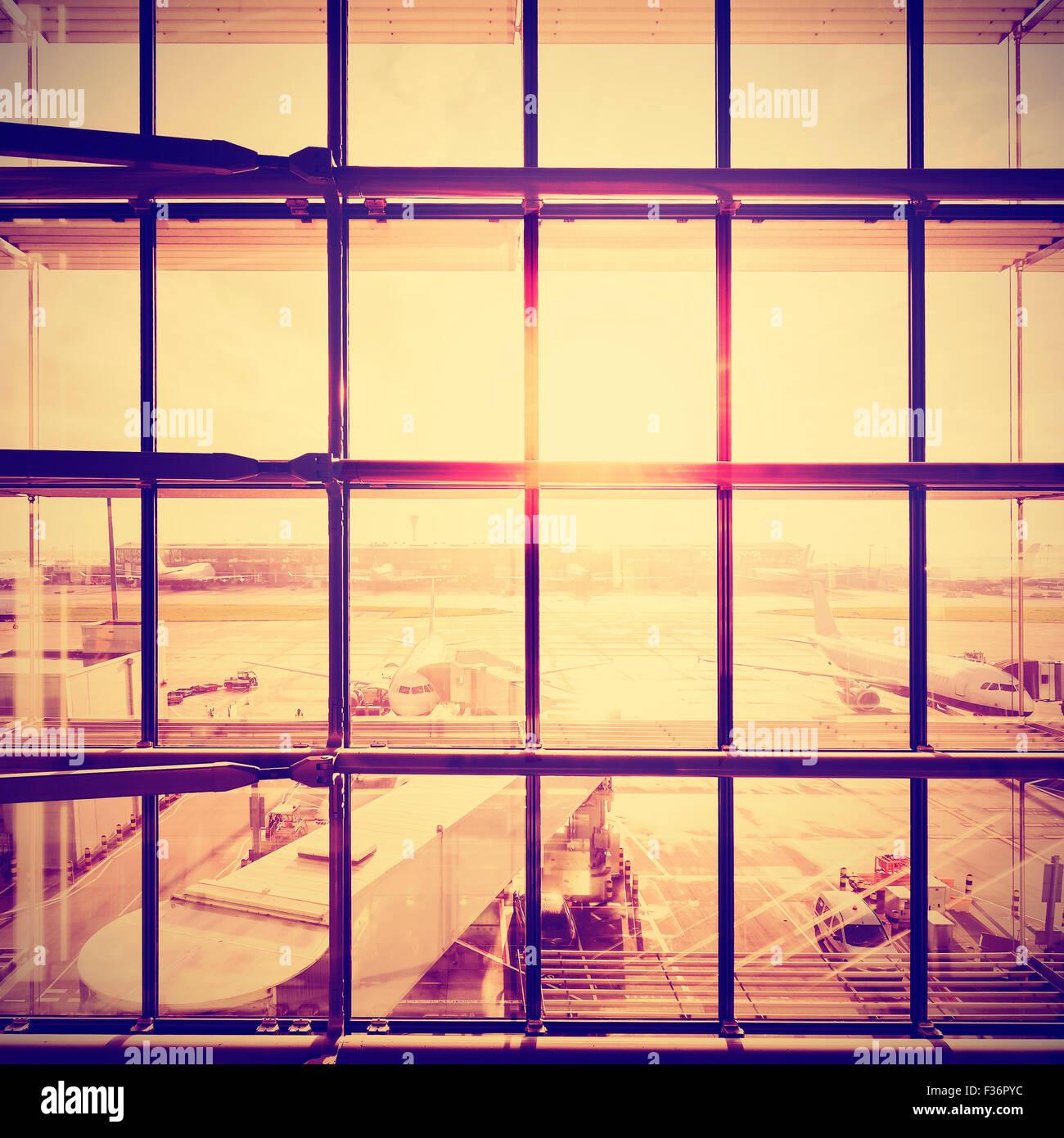 Instagram stilisierte Bild von einem Flughafen, Transport und Geschäft Reisen Konzept. Stockbild