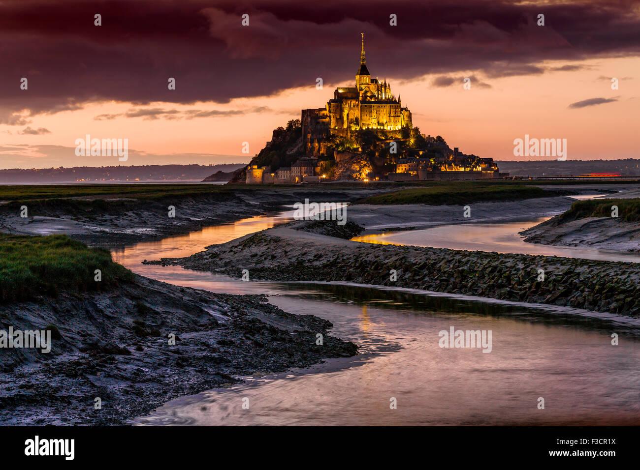 Couesnon Fluss Le Mont-Saint-Michel Saint Michael Mount Benedictine Abtei untere Normandie Manche Frankreich Europa Stockbild