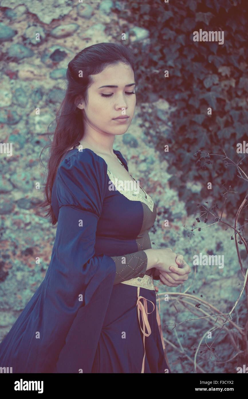 Schöne mittelalterliche Frau Stockbild