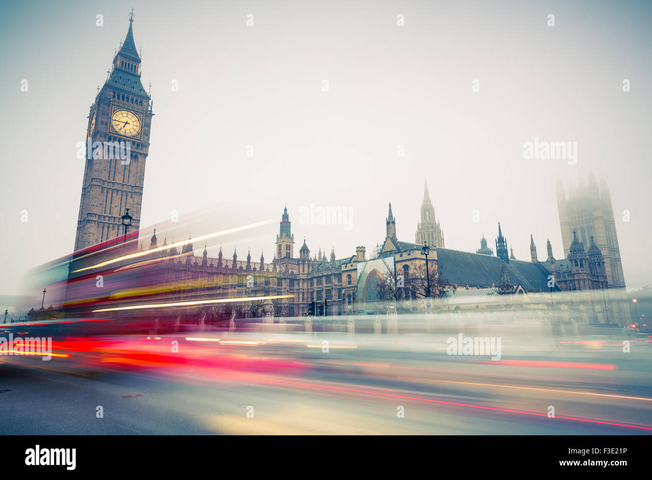 Big Ben und Doppeldecker-Bus, London Stockbild
