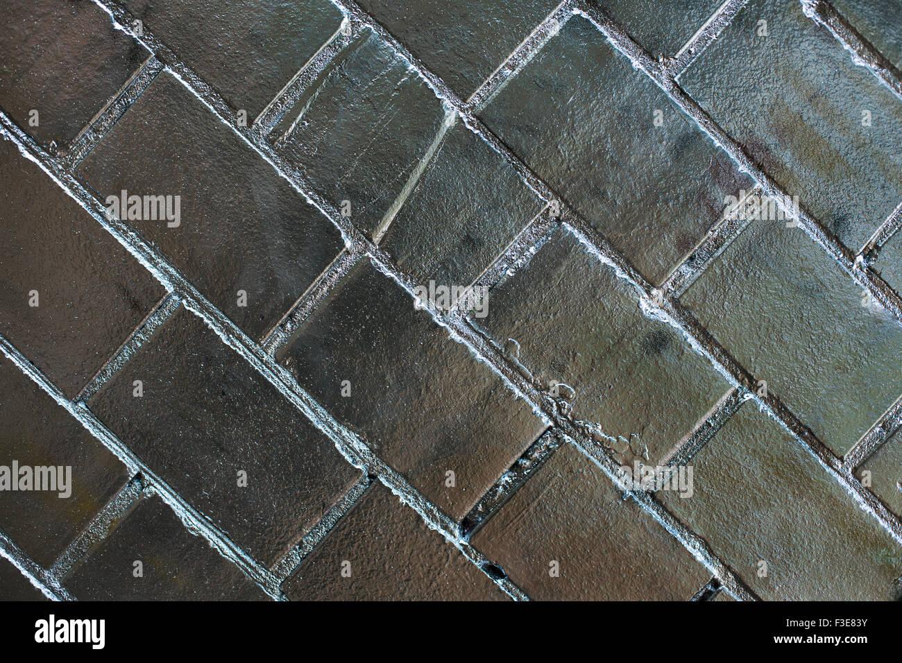 Silberne schräge Mauer - horizontale Hintergrund Stockbild