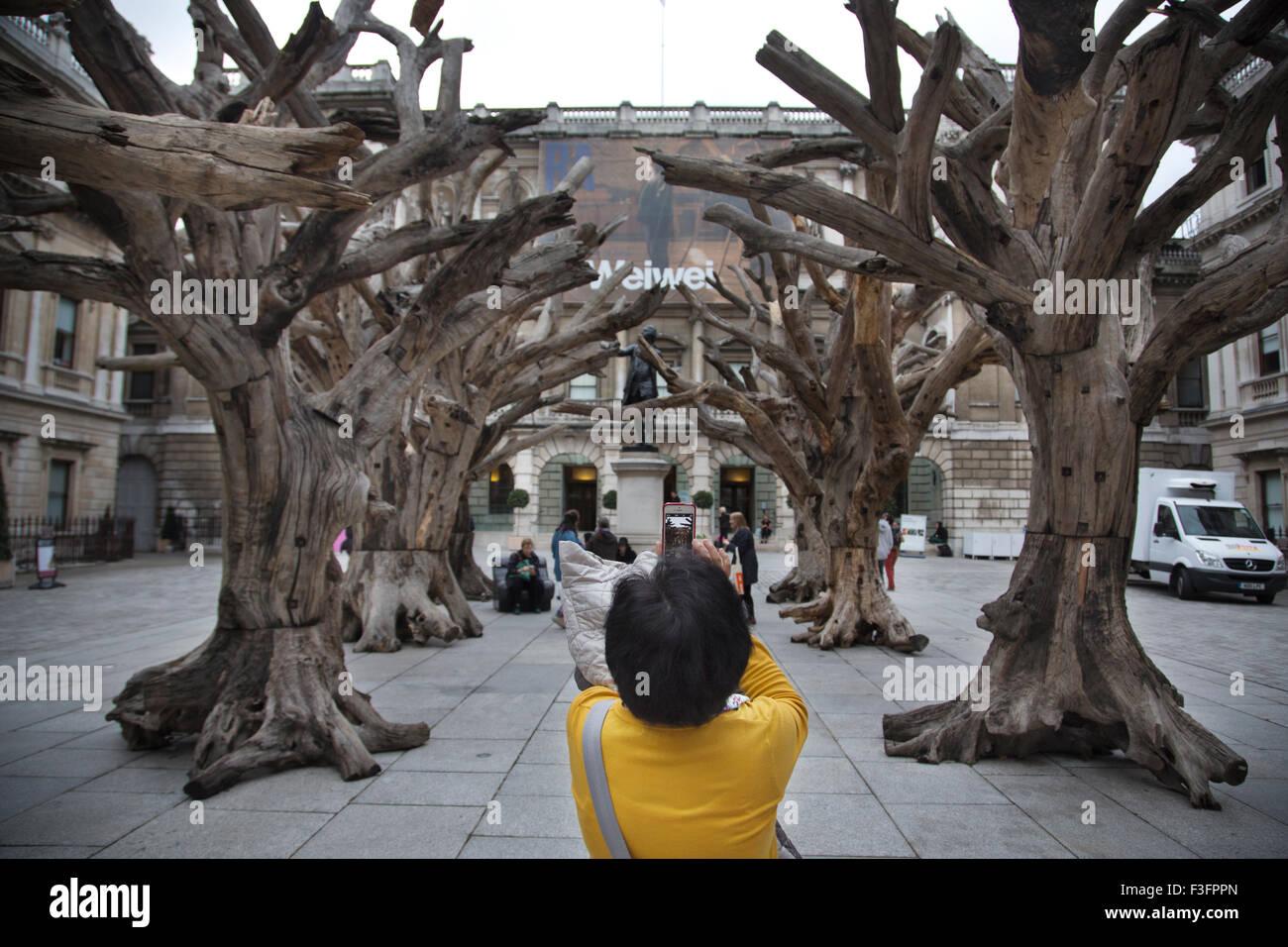 Baumskulpturen Stockfotos Und Bilder Kaufen Alamy