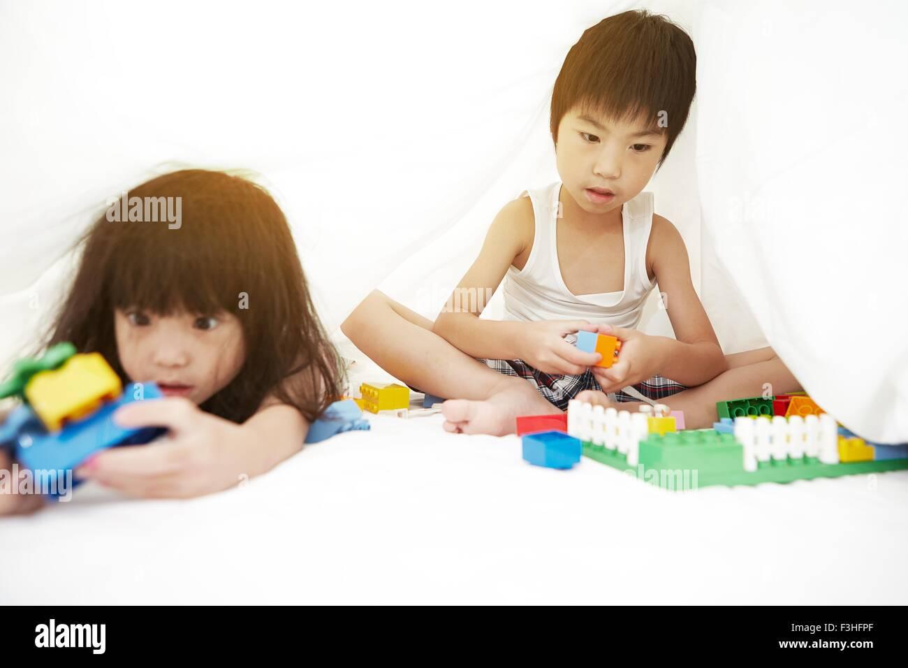 Chinese toys stockfotos chinese toys bilder alamy - Bettwasche baby junge ...