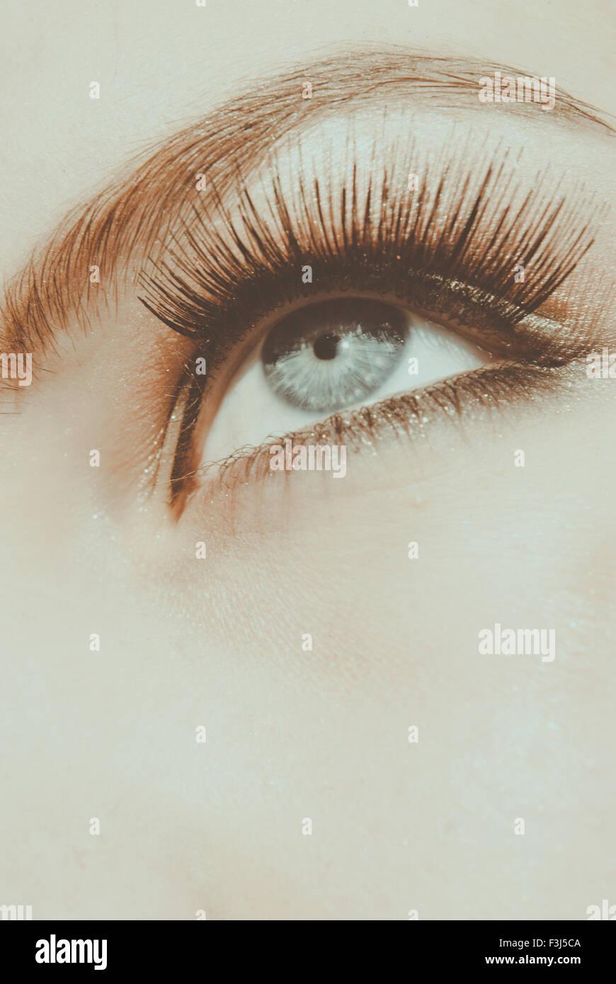 Beauty-Shot der junge Frau in der Nähe Stockfoto