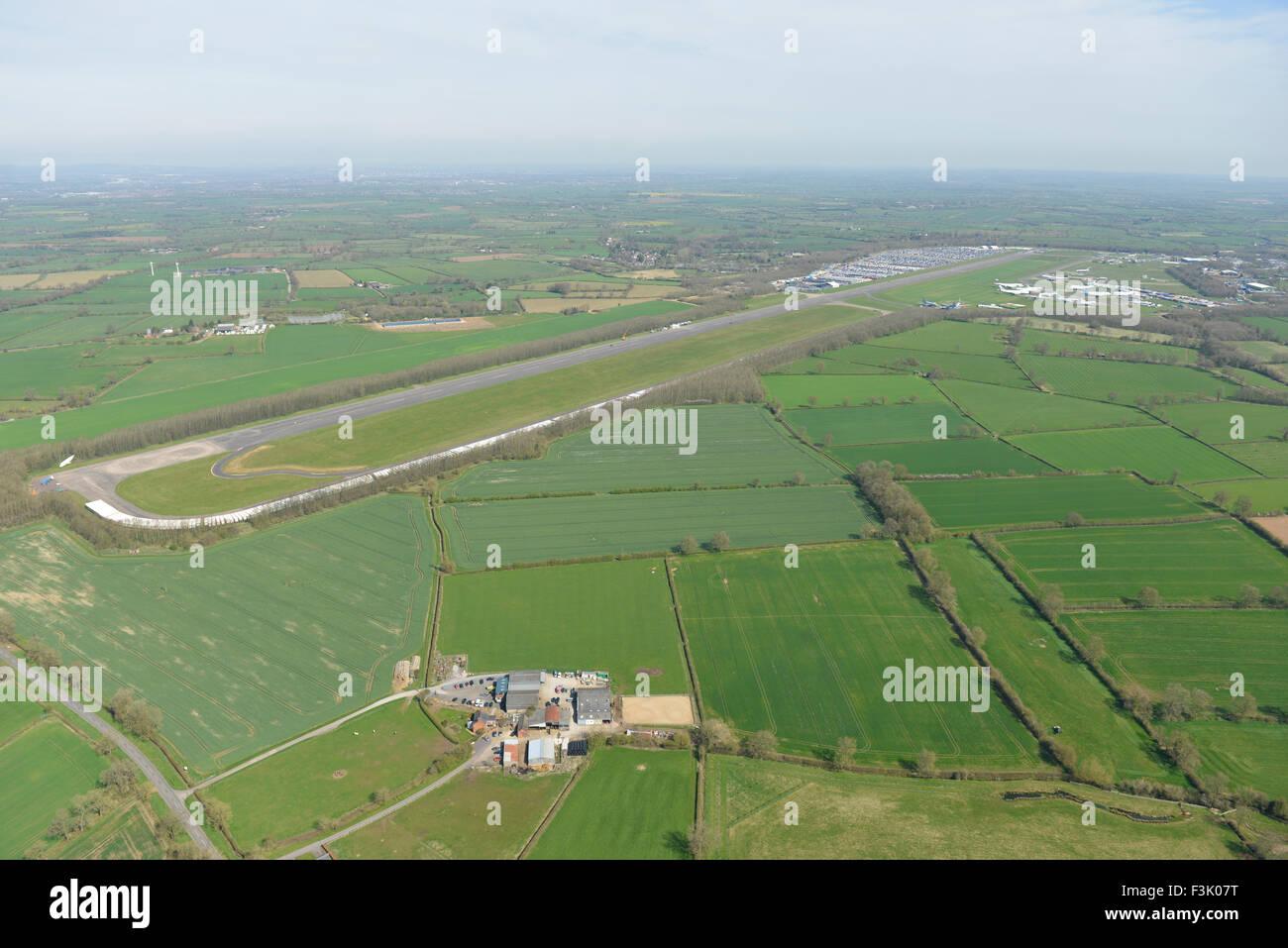 Luftbild der Bruntingthorpe Aerodrome und Fahrzeug Testgelände, Leicestershire Stockbild